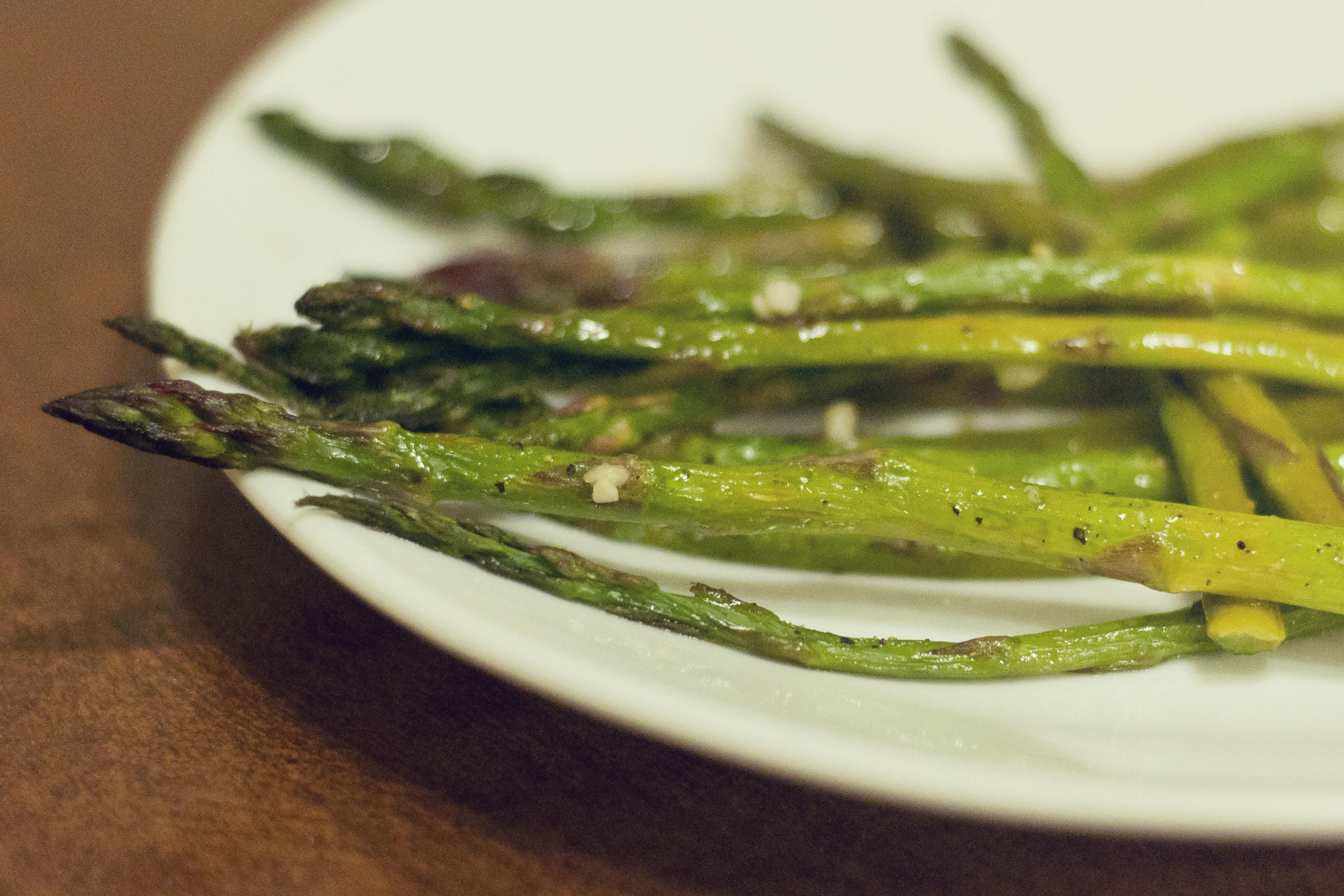 roasted asparagus recipe, easy roasted asparagus, delicious asparagus recipe, easy asparagus recipe, tasty asparagus recipe, tender asparagus recipe, asparagus in the oven, how to cook asparagus in the oven, recipes, cooking, food, taste arkansas, dinner